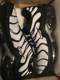 Silver/black Nike TNs brand new box sizes 8-11