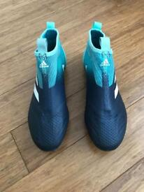 Adidas Pure Control Laceless Football Boots Size 5
