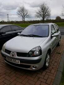 RENAULT CLIO - Clean inside, all functions working. CD Player/Radio 5 Door