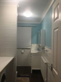 En suite to let available now