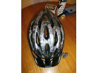 Mens Giro Venti Bike Helmet ( Mint Condition )Size L/XL.