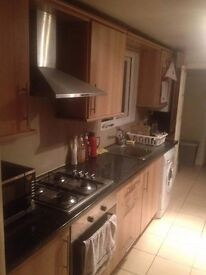 Lovely double room at Canning town area