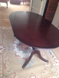 Oval Mahogany Extending Table for sale - Beresford and Hicks