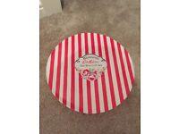 Catch Kidson Hat Box Gift Set