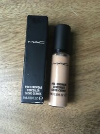Mac Pro Longwear Concealer NC15 New with Box
