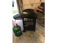 Barbecue with gas burner and gas cylinder