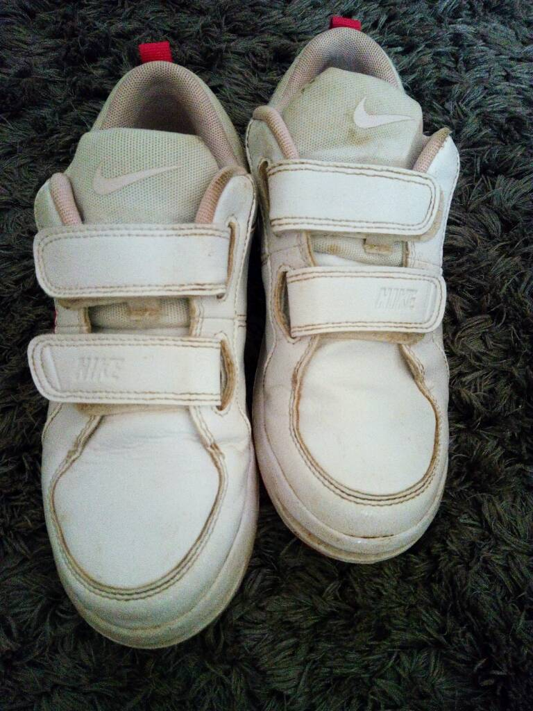 Girls Nike trainers size 1