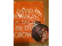 David Bowie memorobilia-presentation collectors' 45 and bag