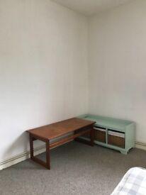 Double room in Fishermead, £110 per week single occupancy, £130 per week couple.
