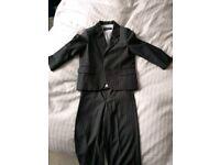 Boys suit aged 2-3