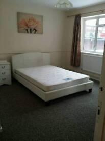 Renting 2 bedrooms flat in North London N18