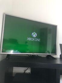 Xbox One S 500GB w/Guitar Hero Live