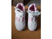 Girls light wheel shoes, size 34, once used