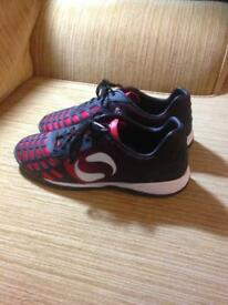 Sondico black & red trainers size 8- immaculate- collect Fareham Po15