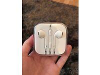 Genuine Apple iphone & ipod Earphones Brand New Sealed