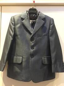 Boys 3 piece suit (age 5/6)