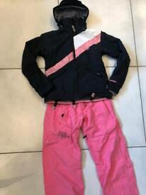 Ladies snowboard jacket and trousers