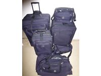 Luggage set, great condition, lots of pieces