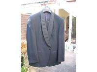 Gents BLACK dinner suit 42 chest / 32 waist in EXCELLENT condition