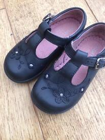 Start Right shoes size 4.5