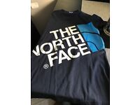 North face t shirt size small
