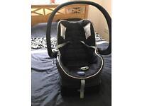 Chicco car baby seat with autofix base