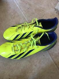 Football shoes size 10