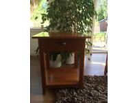 BEAUTIFUL MARKS AND SPENCER SQUARE WOODEN HALL TABLE WITH DRAWER AND SHELF