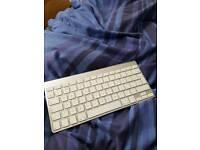 Apple keyboard (faulty)