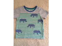 Mini Boden 2-3 yrs top with Rhinos in guc