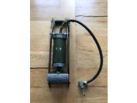 World War 2 / RAF HPS Army Green Foot pump Air Pump Militaria / WW2 military antiques