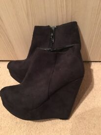 Women's wedge boots size 4