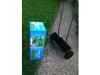 Lawn Spreader - Evergreen EasySpreader - used twice, perfect condition