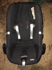 Maxi cosi pebble baby seat