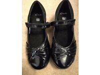Clark's girls shoes - black patent size 1f. Worn once