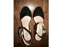 Brand new sandals - size 6