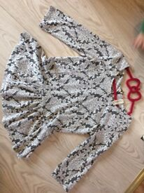 BARGAIN* HOUSE CLEARANCE* NEXT blouse with a frill 12 black and white colour, floral lace design