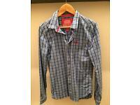 2 Men's Superdry Shirts medium
