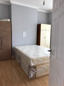 A large double room to rent in (Manor Park) including Bills