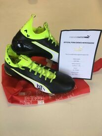 Signed Cesc Fabregas Puma EvoTouch Football Boots Puma Merchandise Size 10.5