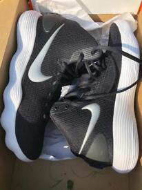 Nike Hyperdunks size 9.5 UK, deadstock **must go**