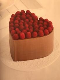 Raspberry kiss cake