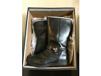 Lovely Clarks Winter Boots for Girls - UK 2 - Fit G - Hardly worn - Available in Clarks now