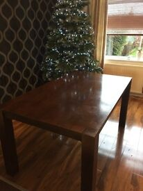 Lovely dinning table ideal for xmas. 3 years old.