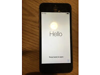 iPhone 5s 16GB Space grey perfect condition, unlocked for all networks, running on IOS 11