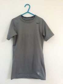 Boys nike compression T-shirt 12-13yrs