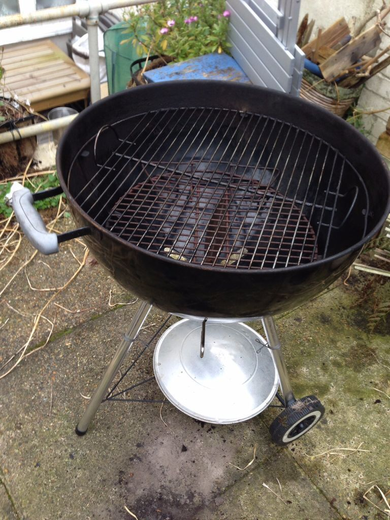 weber compact kettle bbq chimney gently used 50 in norwich norfolk gumtree. Black Bedroom Furniture Sets. Home Design Ideas