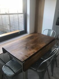 Extendable dining table 4-6 people