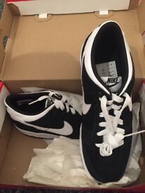 Brand new Nike trainers adult size 6 unisex (Nike dunk low)