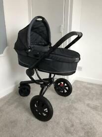 Quinny newborn pram (used)